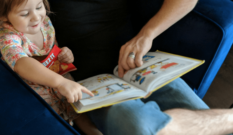 9 Ways to Get Your Kids To Read Every Day | Without a Fight!
