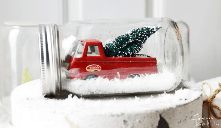 Waterless Snow Globe | DIY Snow Globe