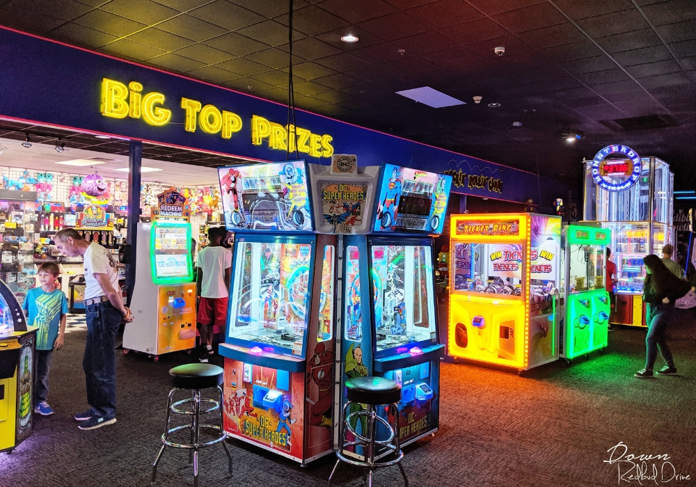 arcade games at incredible pizza