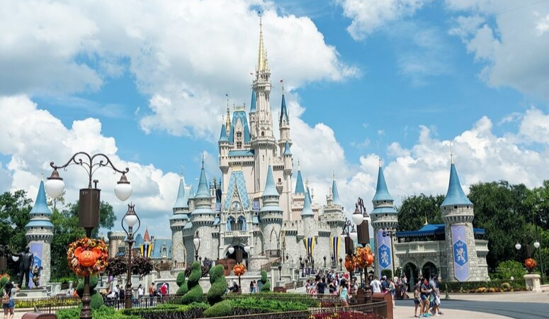 13 Reasons Why You Should Use A Disney Travel Agent