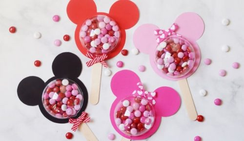 Make these adorable Mickey and Minnie Valentine Pops this Valentine's Day easily with the free printables! Simple and adorable!