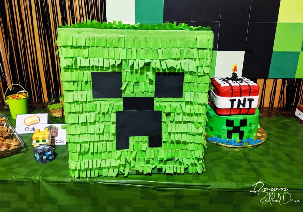 Minecraft creeper pinata