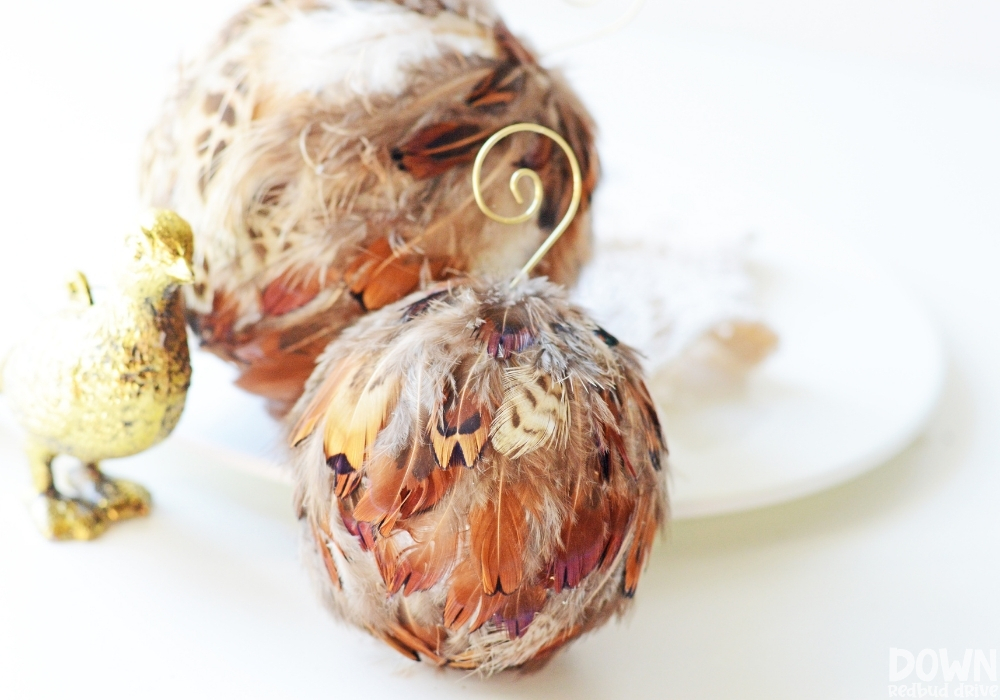 The finished feather ornament DIY.