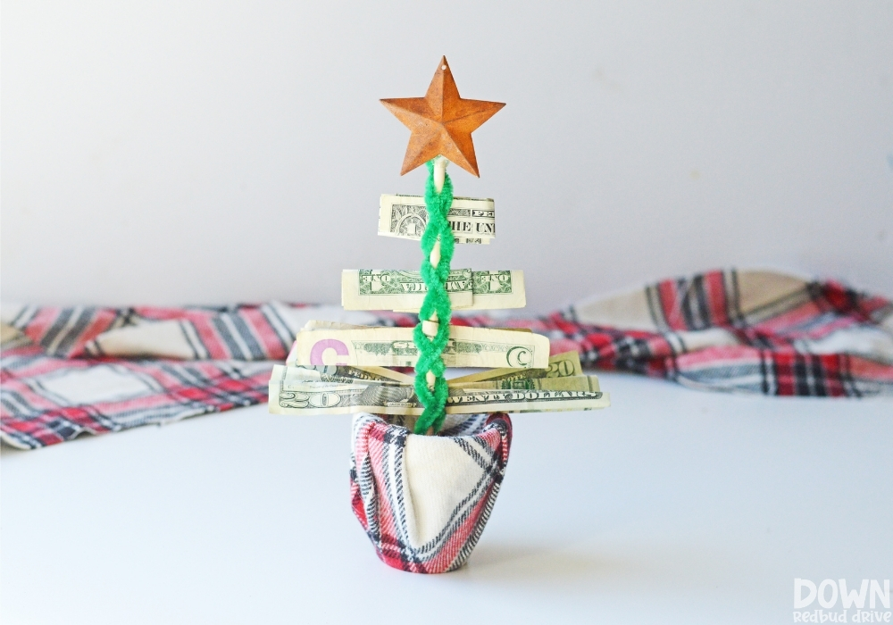 Finished money Christmas tree gift DIY.