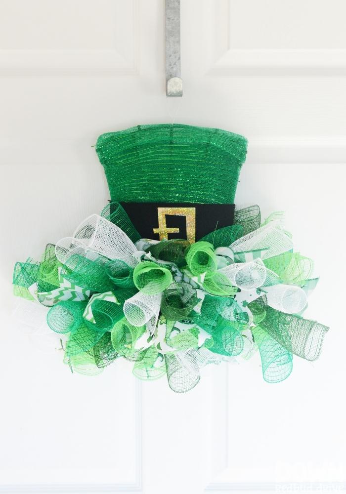 DIY Leprechaun Hat Mesh Wreath