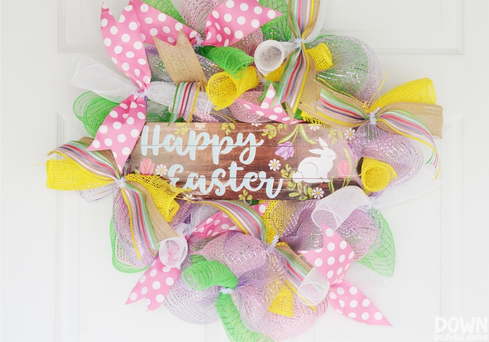 The finished DIY Easter mesh wreath.