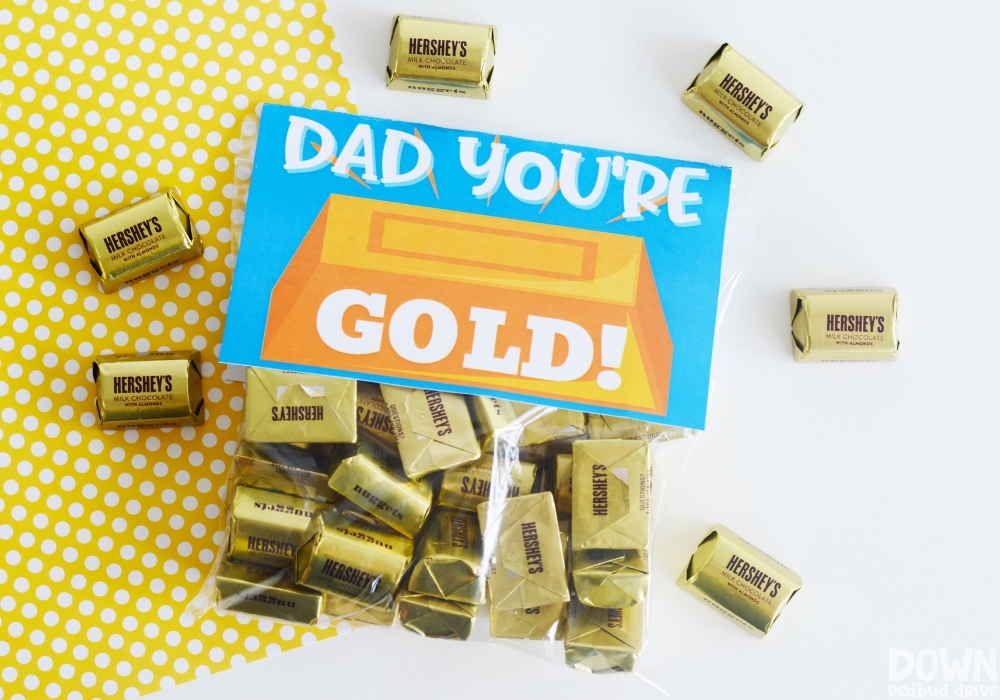 Overhead view of the finished DIY Father's Day Gold Candy Gift.