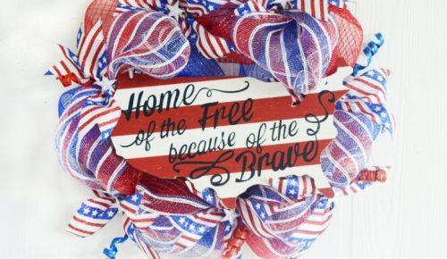 Patriotic Deco Mesh Wreath featured image.