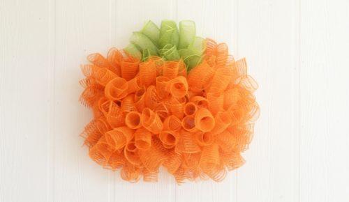 DIY Mesh Pumpkin Wreath Featured Image