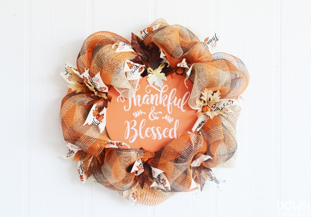 The finished DIY Thanksgiving Mesh Wreath.