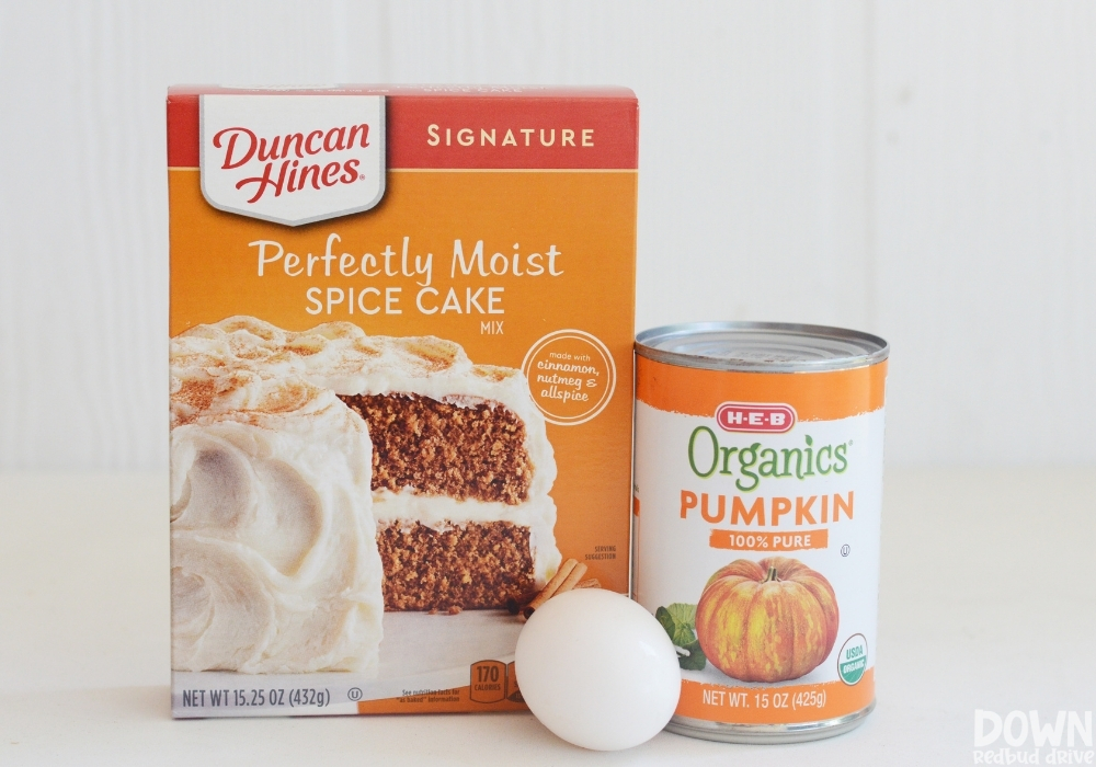 The ingredients for the 3 Ingredient Pumpkin Muffins.